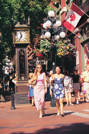 resised_Shopping_in_GastownTourism Vancouver and John Sinal